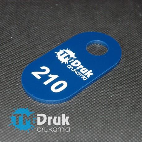 Zawieszka szatniowa z niebieskiej plexi gr 3mm w rozmiarze 4x8cm