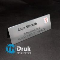 Tabliczki imienna na biurka na konferencje