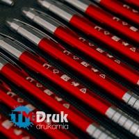 Długopisy z trwałym, odpornym na ścieranie grawerem