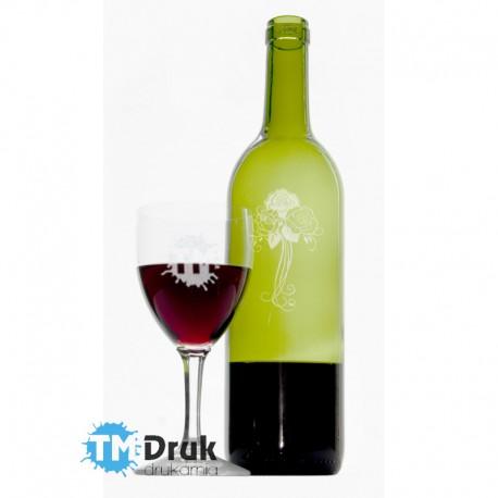 Trwały grawer na butelce i lampce czerwonego wina