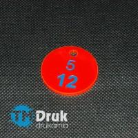 Marka narzędziowa z numeracją i barwionym grawerem