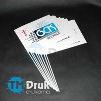 Chorągiewki reklamowe drukowane na białym papierze kredowym, klejone na plastikowym patyczku