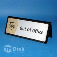 "Tabliczka poza biurem ""Out of office"""